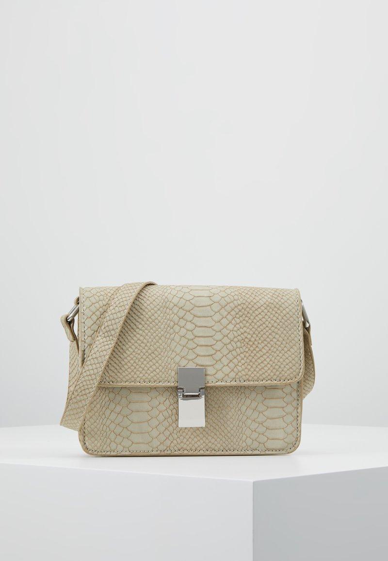 Gina Tricot - NOELLE BAG - Handtas - beige