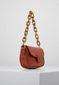 Gina Tricot - ZOEY BAG - Handtasche - conjac - 3