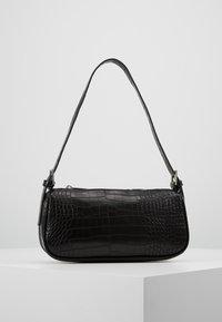 Gina Tricot - AMELIE BAG - Bolso de mano - black/silver - 0