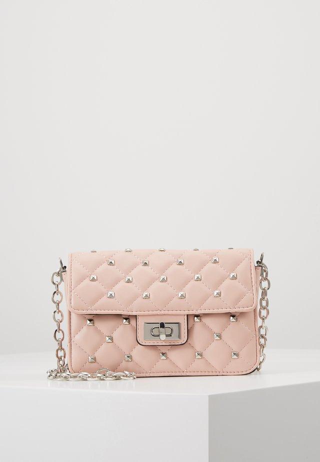 KILLI BAG - Taška spříčným popruhem - pink