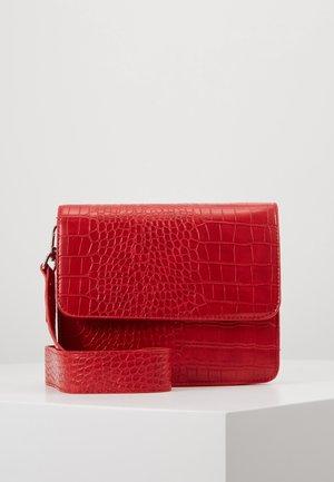EVELYN BAG - Schoudertas - red