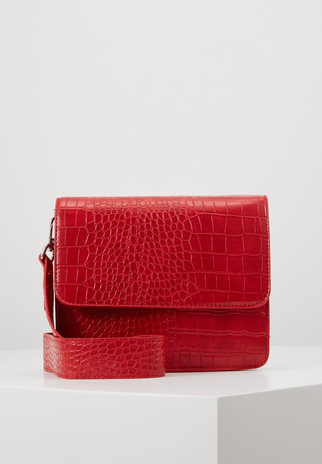 EVELYN BAG - Across body bag - red