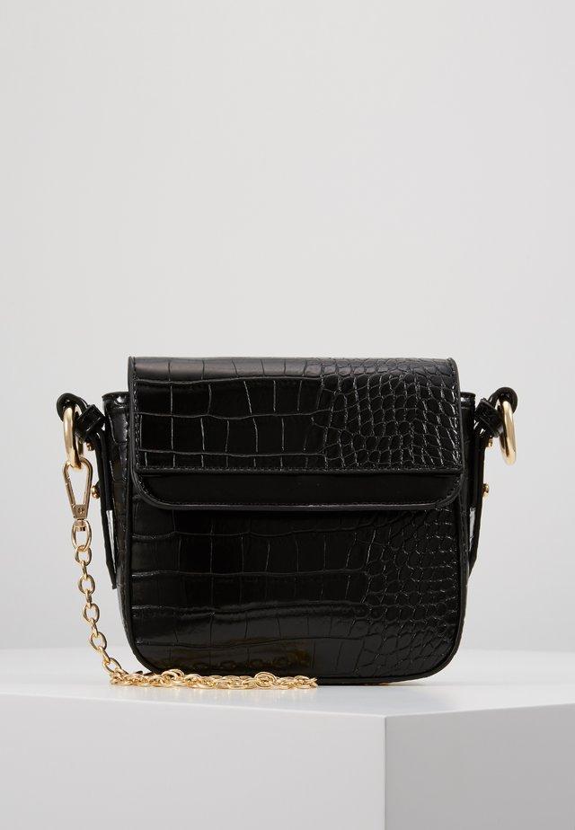 CLARA BAG - Taška spříčným popruhem - black