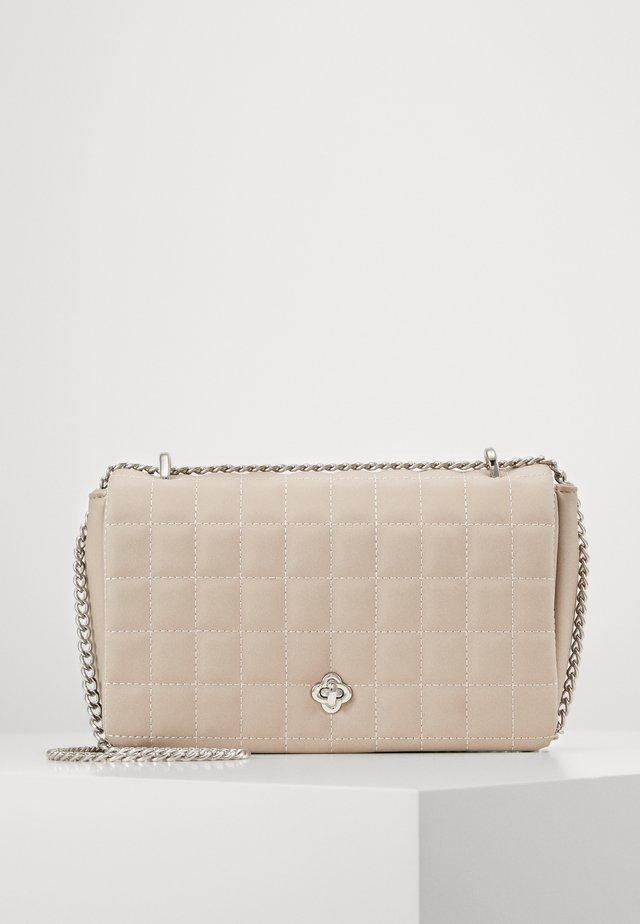 KAMILA BAG - Handväska - beige
