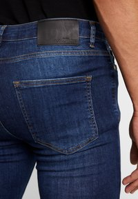 Gianni Kavanagh - RIPPED KNEES - Jeans Skinny - blue - 5