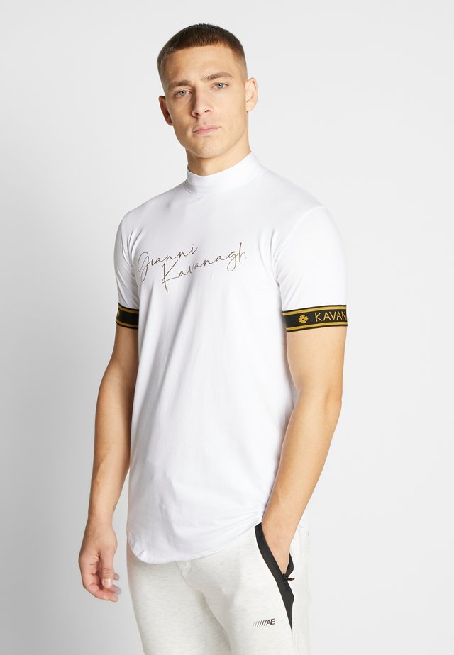 TURTLENECK SIGNATURE TEE - T-shirts print - white