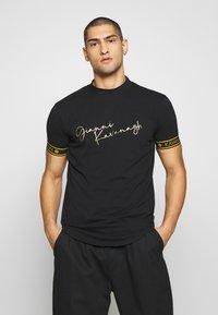 Gianni Kavanagh - TURTLENECK SIGNATURE TEE - Print T-shirt - black - 0