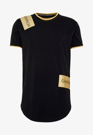 TEE WITH STICKER - Print T-shirt - black