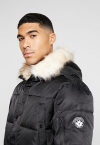 Gianni Kavanagh - WOLF COAT WITH BEIGE FUR - Parka - black - 3