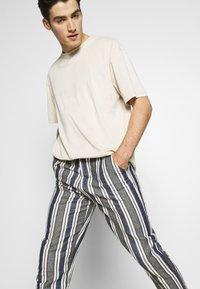 Gianni Lupo - PANTS - Kalhoty - blue - 3
