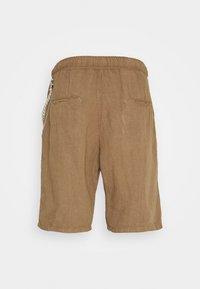 Gianni Lupo - Shorts - camel - 1