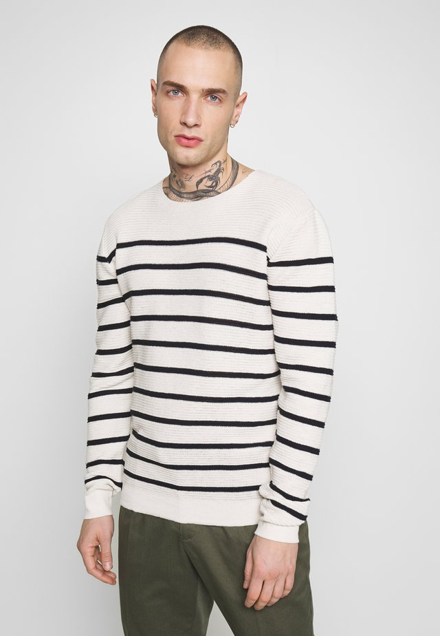 SWEATER - Jumper - white