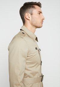 Gianni Lupo - Trenchcoat - beige - 4