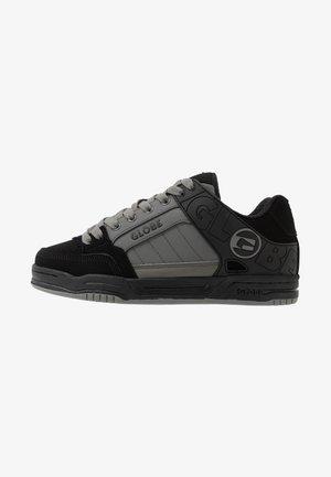 TILT - Skateboardové boty - black