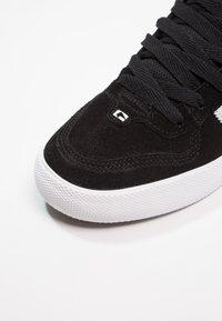 Globe - ENCORE - Skate shoes - black/white - 5