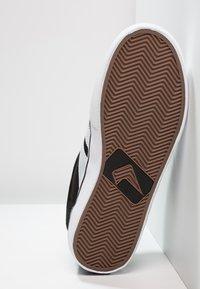 Globe - ENCORE - Skate shoes - black/white - 4