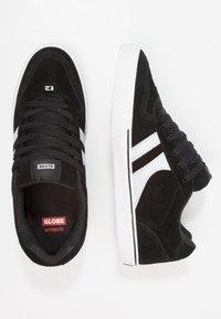 Globe - ENCORE - Skate shoes - black/white - 1
