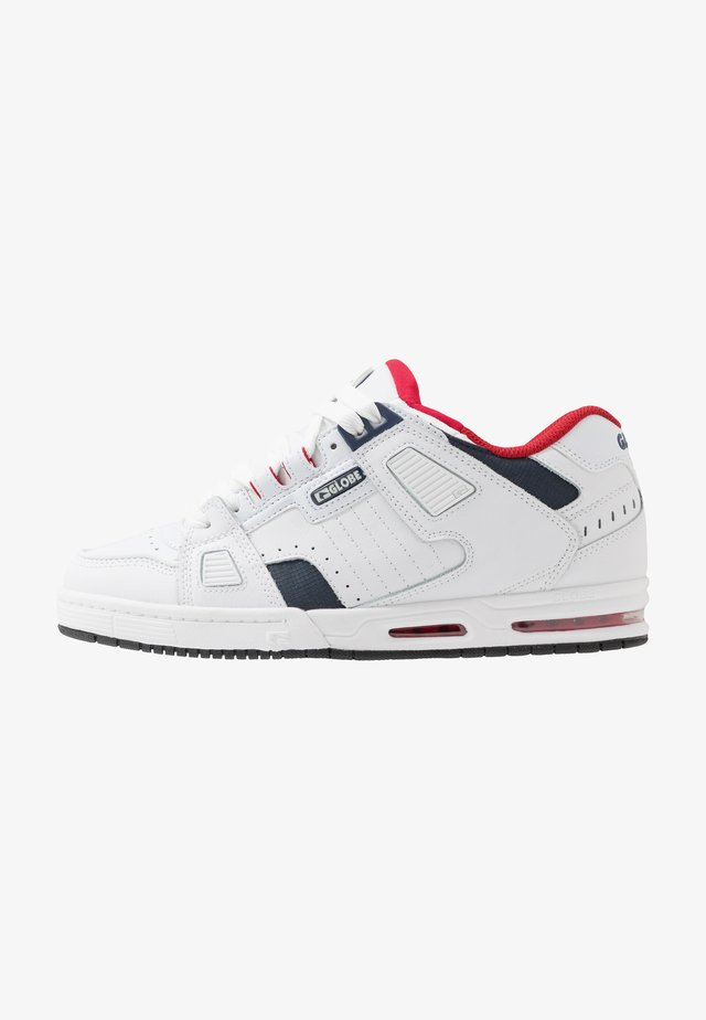 SABRE - Skateschoenen - white/blue/red