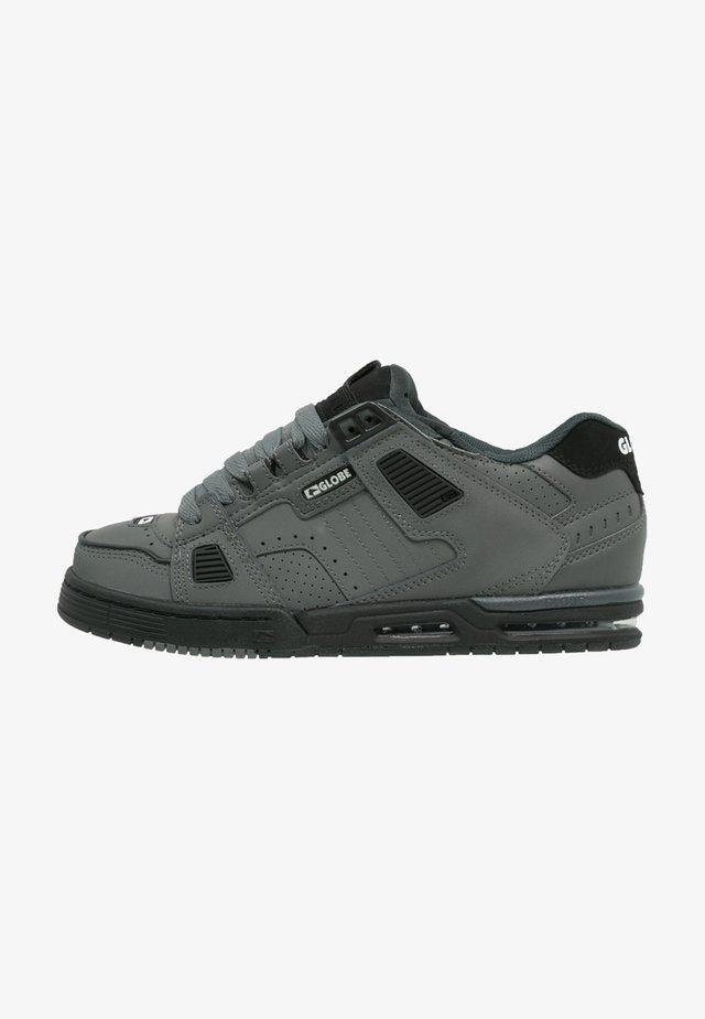 SABRE - Skate shoes - charcoal/black