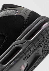 Globe - SABRE - Skate shoes - black/pebble - 5
