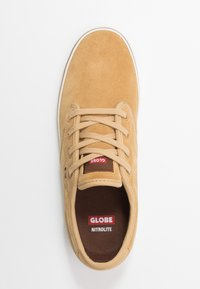 Globe - MOTLEY - Skate shoes - tan/antique - 1
