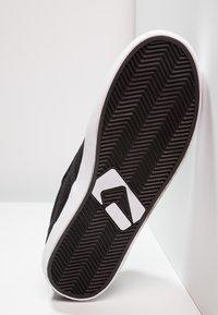 Globe - MOTLEY - Skate shoes - black - 4