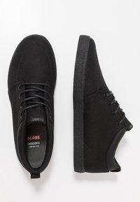 Globe - CHUKKA - Sneakersy niskie - black - 1