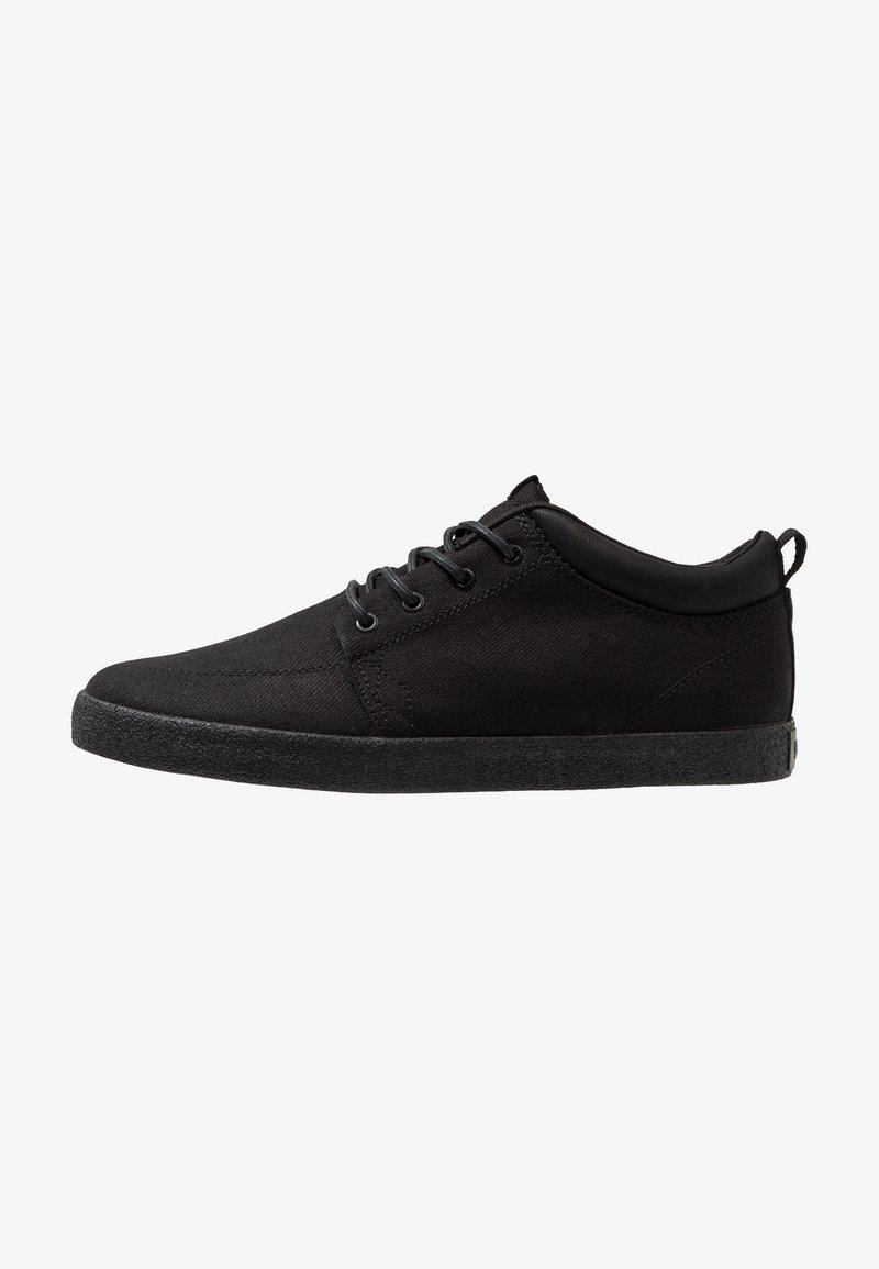 Globe - CHUKKA - Sneakersy niskie - black