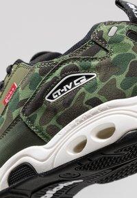Globe - CT-IV CLASSIC - Skate shoes - green/white - 6