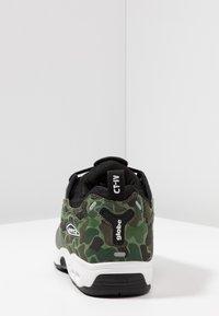 Globe - CT-IV CLASSIC - Skate shoes - green/white - 3