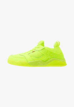 TILT EVO - Sneakersy niskie - hot green