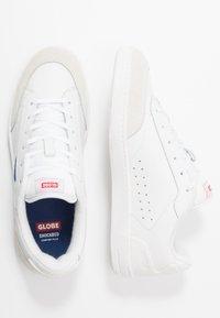 Globe - SYGMA - Trainers - white/blue - 1