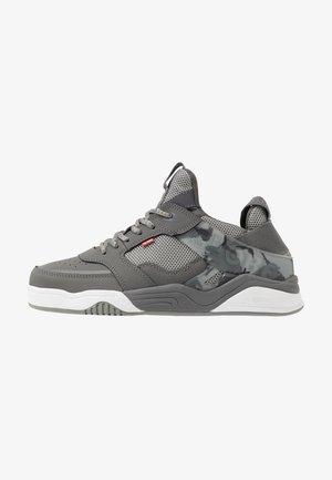 TILT EVO - Sneakersy niskie - grey