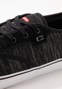 Globe - MOTLEY - Skate shoes - mottled/black - 6