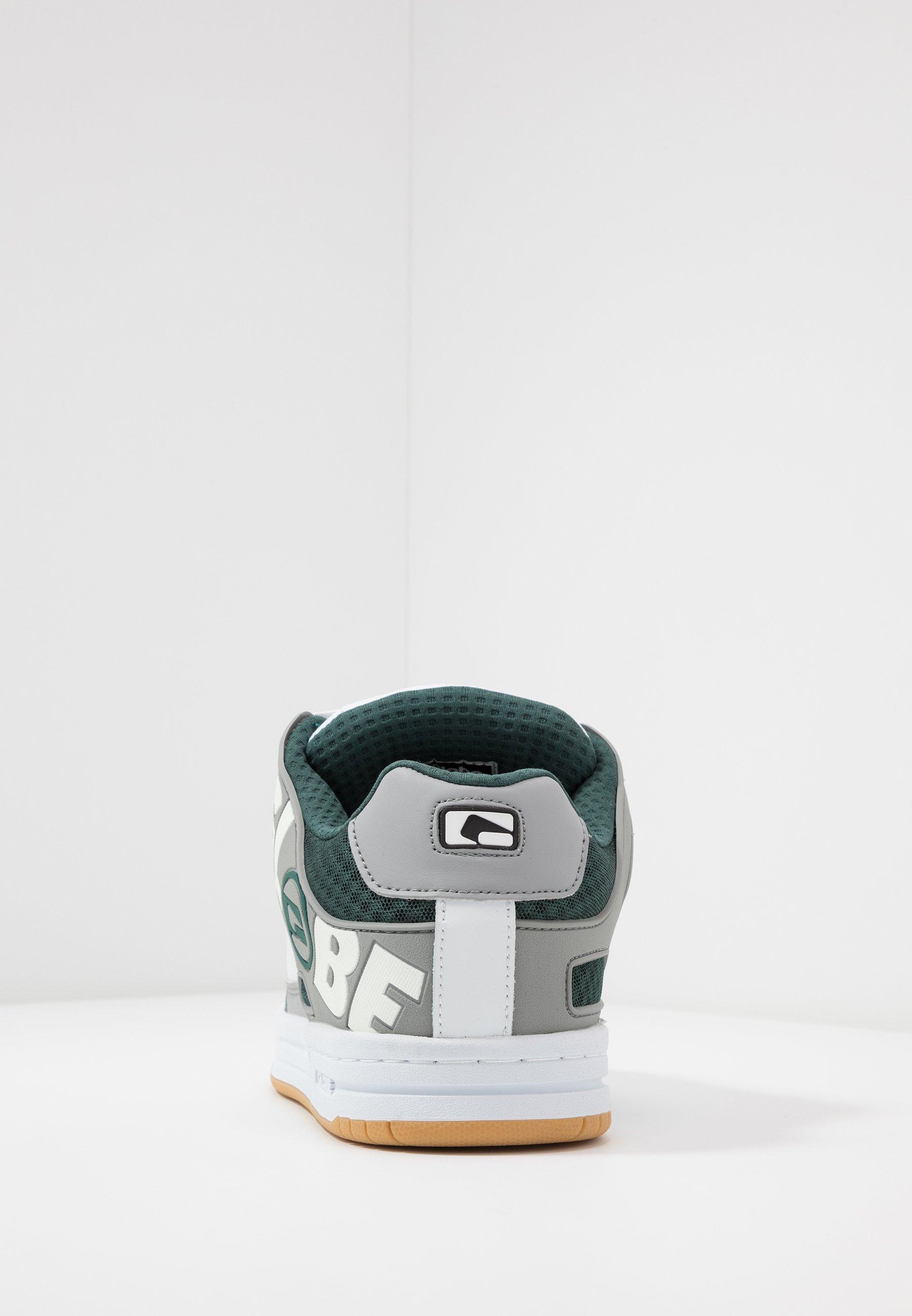 Globe TILT - Skatesko - white/grey/green