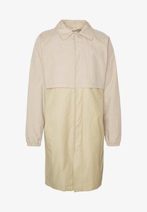 MENS CAR COAT - Krótki płaszcz - beige