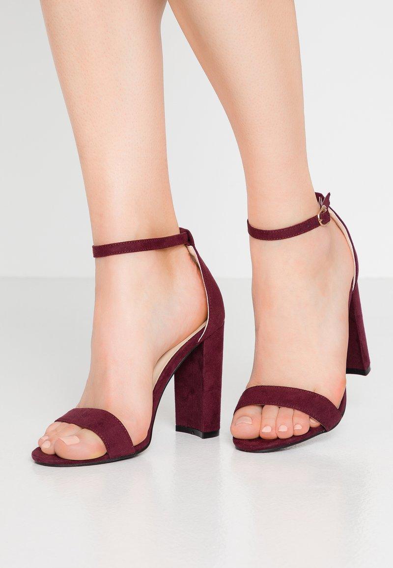Glamorous - Korolliset sandaalit - wine