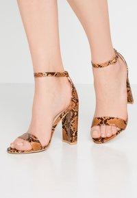 Glamorous - Sandály na vysokém podpatku - multicolor - 0