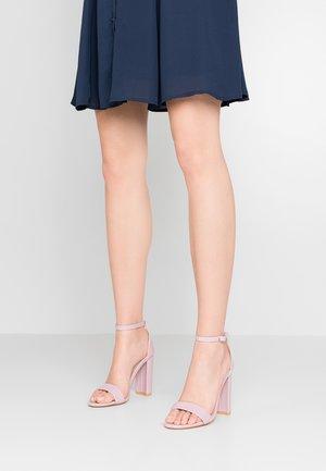 Sandály na vysokém podpatku - lilac