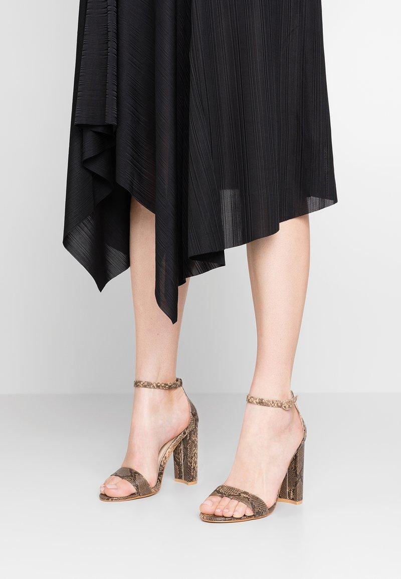 Glamorous - Højhælede sandaletter / Højhælede sandaler - brown
