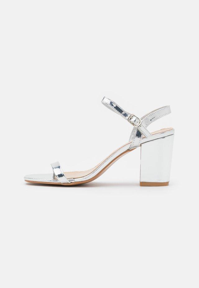 Sandals - silver mirror