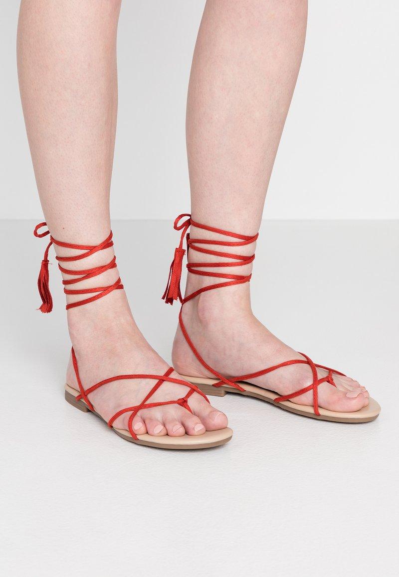 Glamorous - Tongs - red