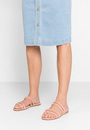 Pantofle - pink