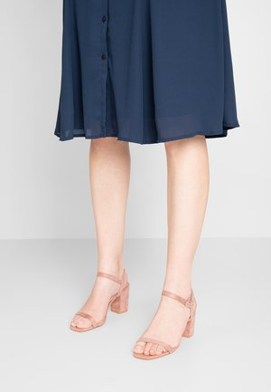Sandály - blush