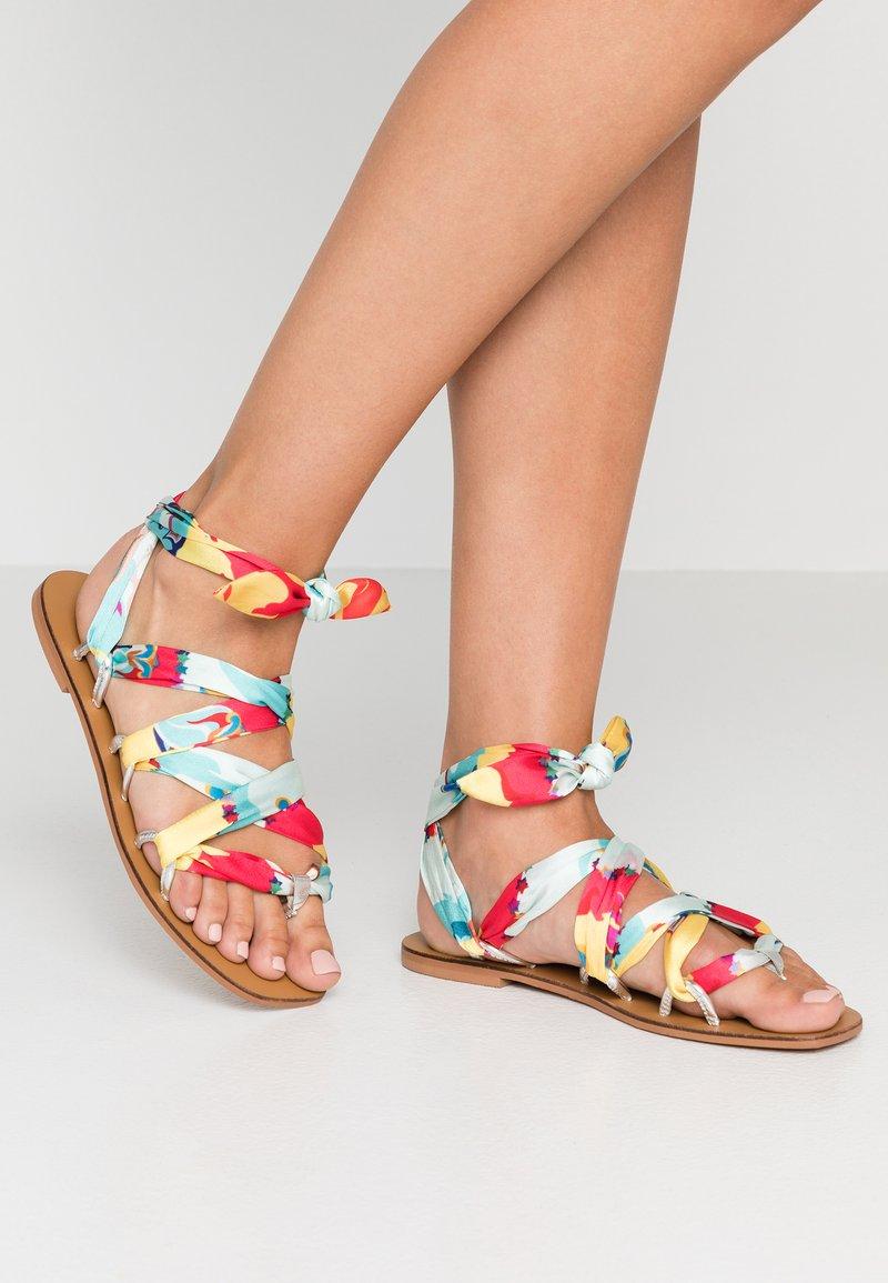 Glamorous - T-bar sandals - yellow multicolor