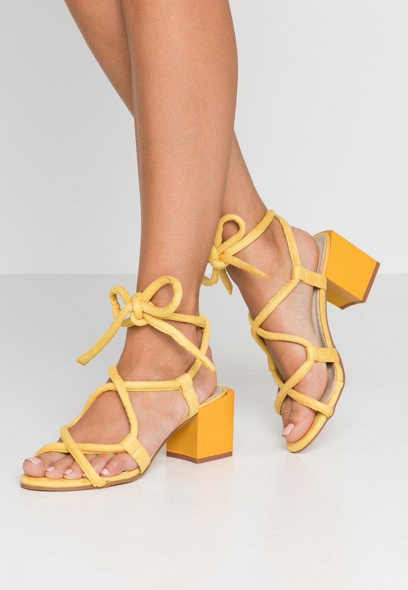 Glamorous - Sandales - yellow