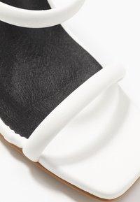Glamorous - Sandales à talons hauts - white - 2