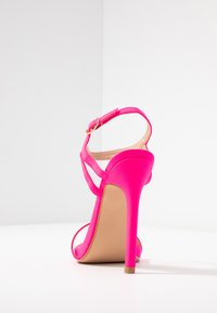 Glamorous - Sandaler med høye hæler - fuschia - 5