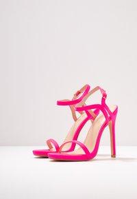 Glamorous - Sandaler med høye hæler - fuschia - 4