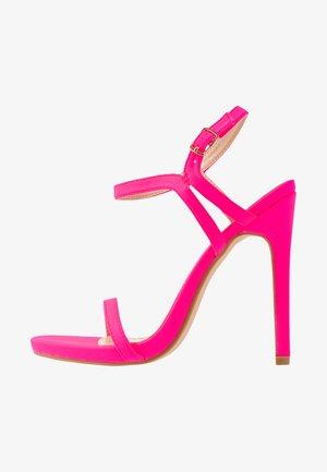 Sandály na vysokém podpatku - fuschia